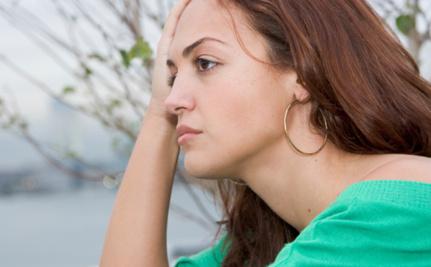 Mulher é proibida de chegar perto de ex-namorado após fim do relacionamento