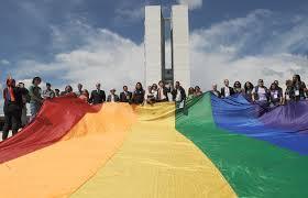 DIREITOS DOS HOMOSSEXUAIS  Justiça autoriza mudança de sexo e nome