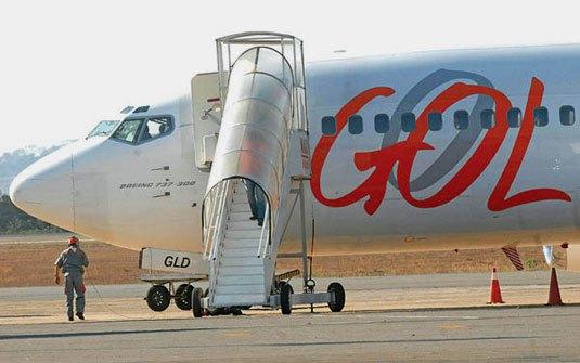 Empresa aérea deve providenciar embarque de criança deficiente
