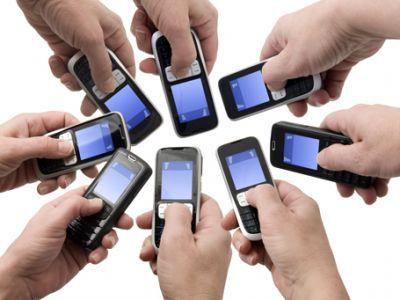 Empresa de telefonia móvel deve pagar R$ 5 mil para cliente que teve linhas habilitadas sem autorização