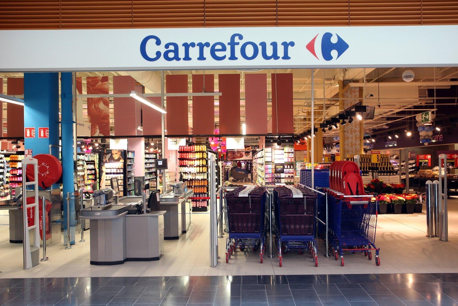 Carrefour condenada a pagar indenização por empregada xingada de Sapatona